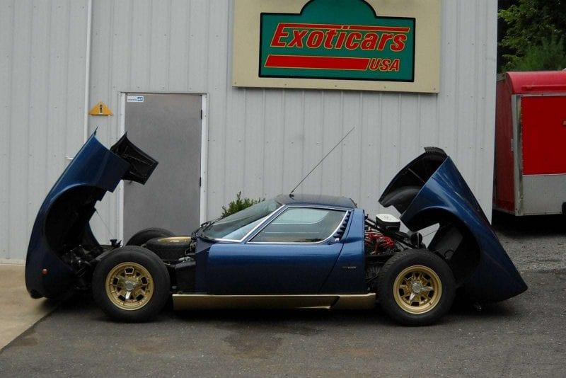 blue Lamborghini Miura and Miura engine
