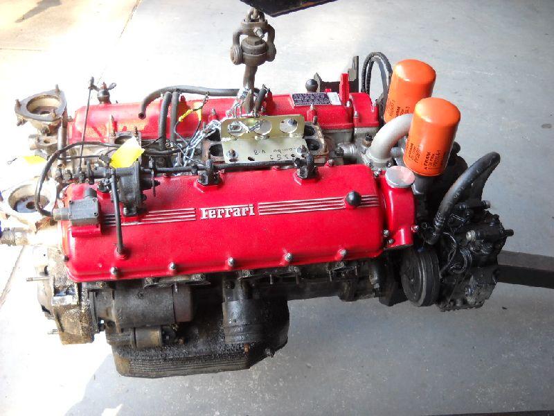 Ferrari 365GT 2+2 engine