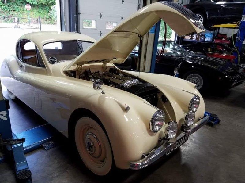 vintage-jaguar-xk120