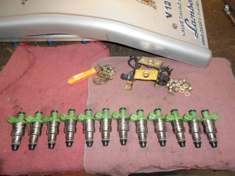 Lamborghini fuel injector service